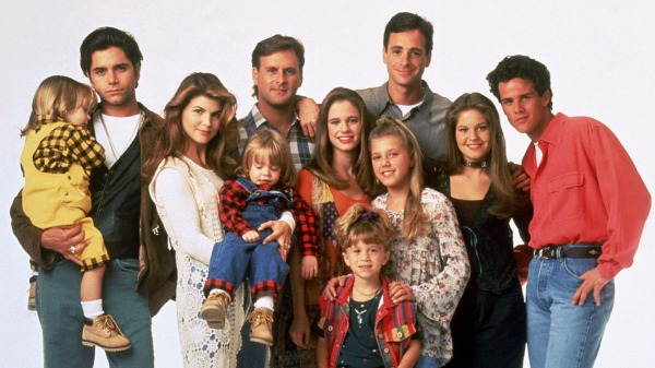 FULL HOUSE (ABC-TV, 1987-95) Shown: (l-r) Blake Tuomy-Wilhoit,  John Stamos, Lori Laughlin, Dylan Tuomy-Wilhoit, Dave Coulier, Andrea Barber, Mary KateAshley Olsen, Jodie Sweetin, Bob Sagat, Candace Cameron, Scott Weinger