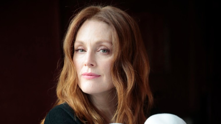 "NEW YORK, NEW YORK--NOV. 25, 2014--Actress Julianne Moore stars in the new movie ""Still Alice."" Photographed at the Crosby Hotel in New York on Nov. 25, 2014. (Carolyn Cole/Los Angeles Times)"