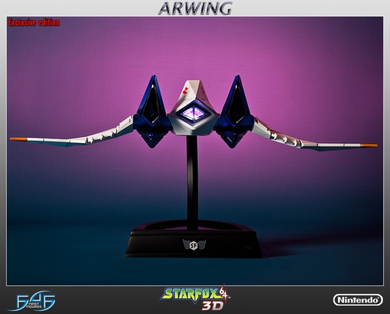 the-new-300-arwing-statue-from-first-4-figures-shi_4ky3